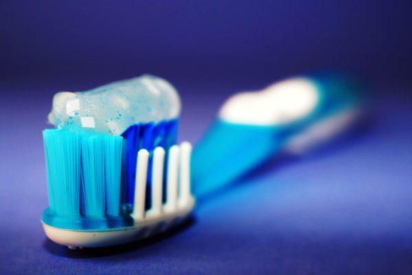 Do you brush your teeth before or after breakfast?