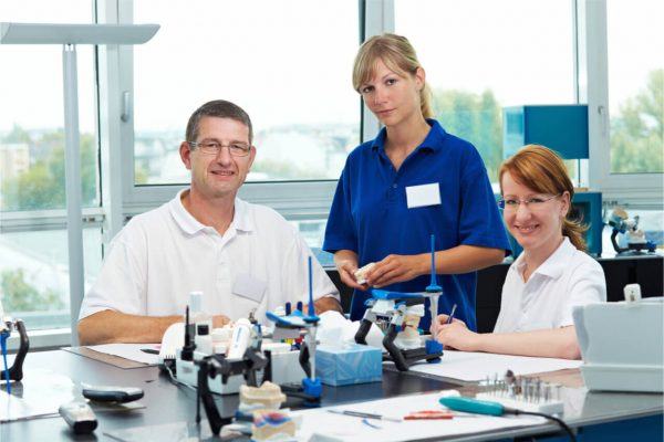 4 Vital Dental Technician Jobs In Dentistry (Roles, Advantages)